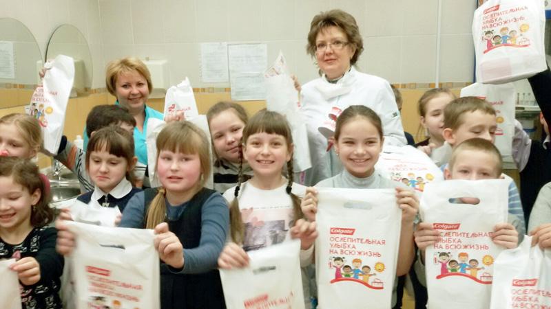 ДСП №4 принимает участие в программе «Ослепительная улыбка на всю жизнь»